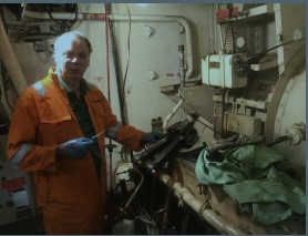 Phil doing a first class job rebuilding the Port Generator. Phil will be away for a while back to his full time job on his Dredger in the English Channel.